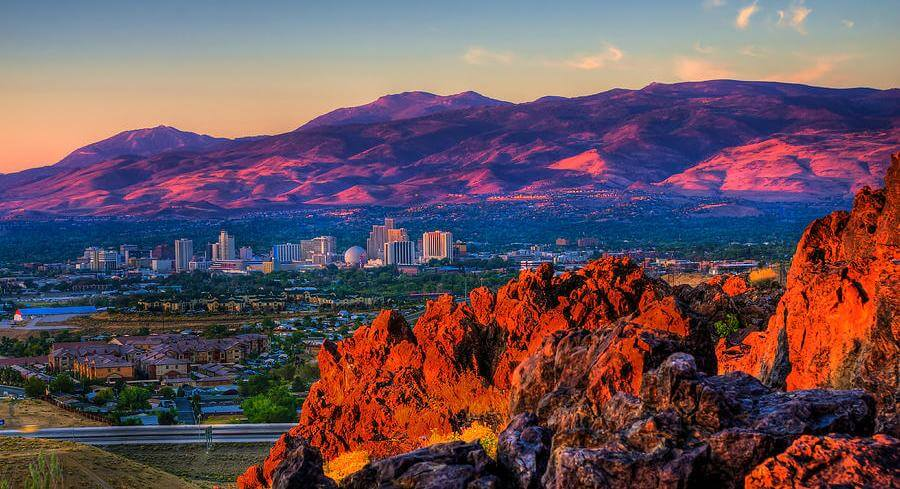 Reno, Nevada, Skyline & Mountains